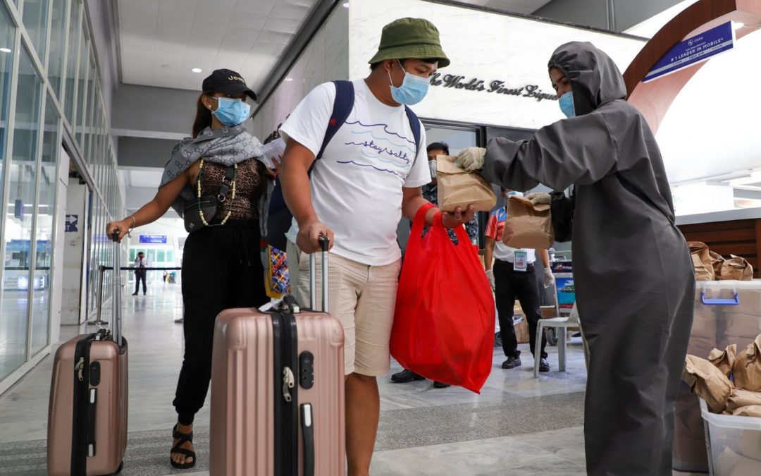 """DOT banners """"Filipino brand of service""""; assists over 35,000 tourists amid pandemic"""
