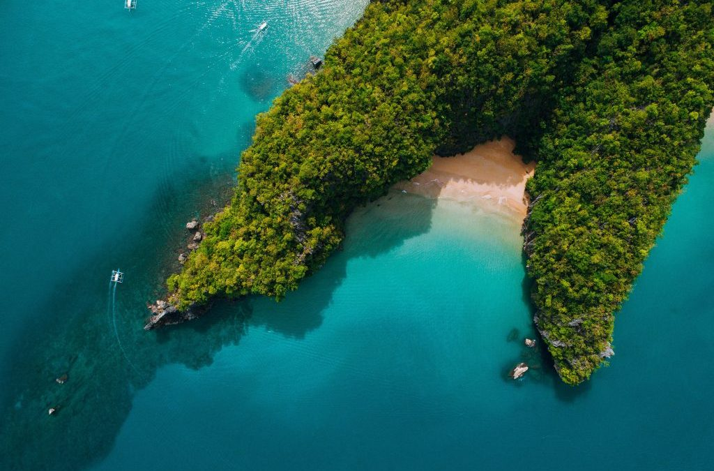 Phl Islands named top favourites by Conde Naste Traveller